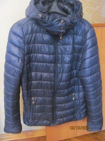 Женская осенне - весенняя куртка в идеальном состоянии - недорого