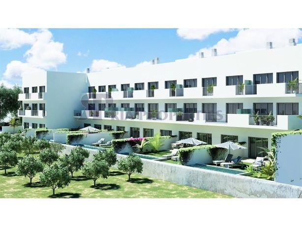Apartamento T3+1 com fabuloso terraço e jacuzzi em Tavira!
