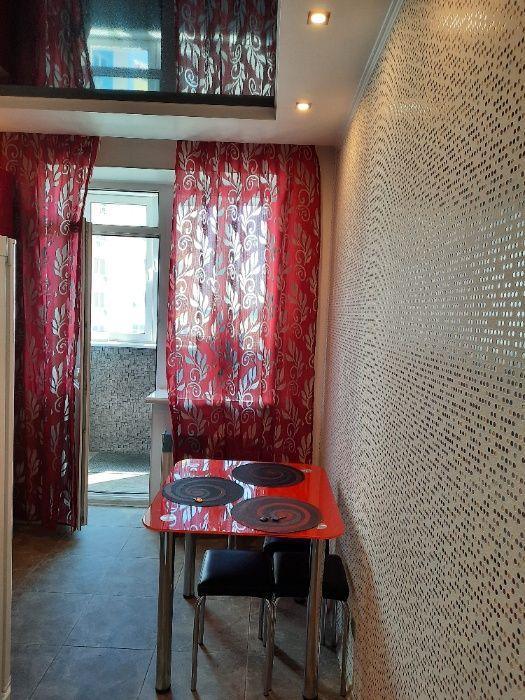 750Сдам посуточно почасово дизайнерскую квартиру в вишневом-1