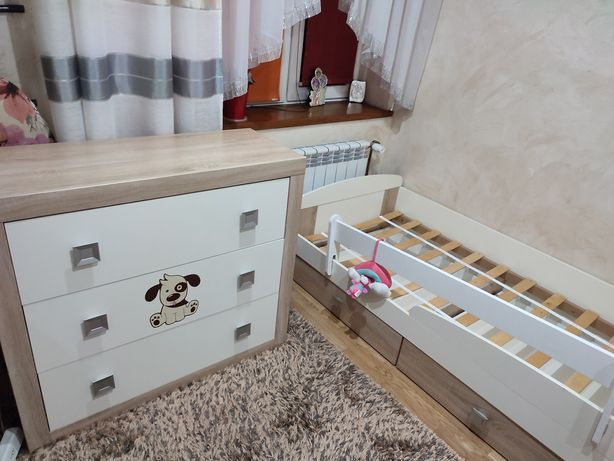 Meble dziecięce łóżko i komoda