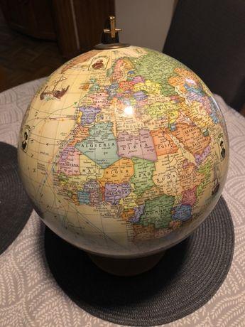 Globus z wielkimi odkrywcami