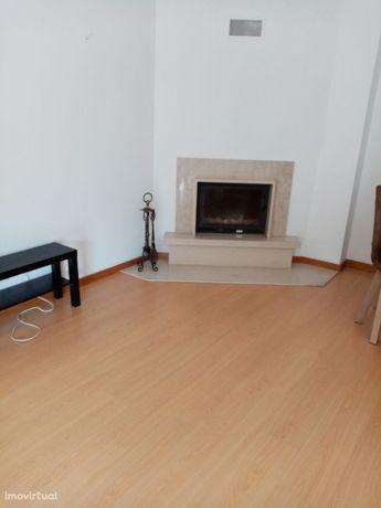 Apartamento T2 Arrendamento em Nogueira, Fraião e Lamaçães,Braga