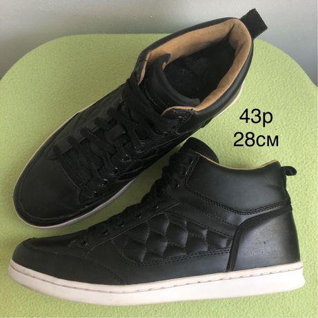 Burton шкіряні кросівки 43р (28см)