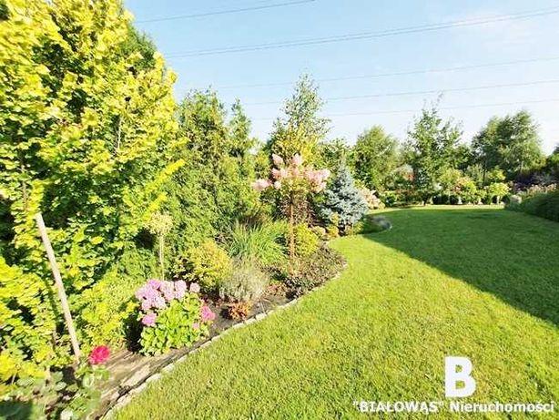 KOMFORTOWY wolnostojący dom, działka 2250m2, piękny ogród, oczko wodne
