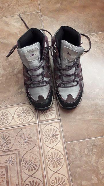 Продам термо ботинки 39 р