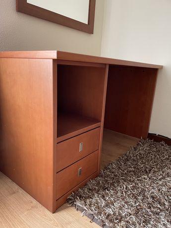 Secretaria de quarto ou escritorio