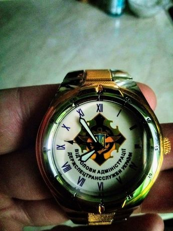 Часы наградные, механизм кварцевый.