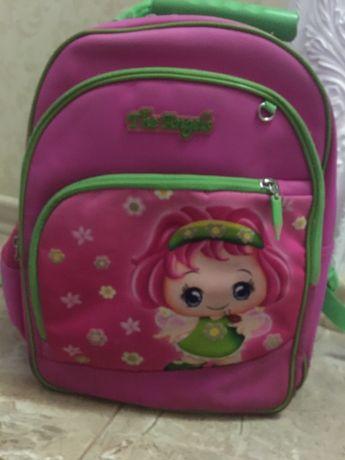 Рюкзак, портфель рожевий шкільний.