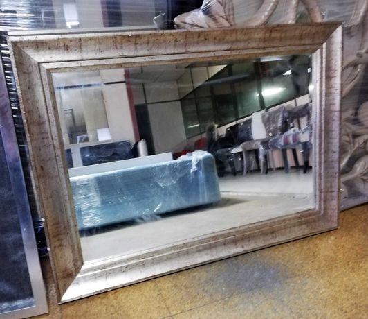 Espelhos com molduras