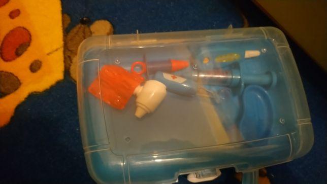 Zestaw zabawkowy lekarski