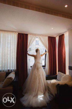 Срочно! Свадебное платье со шлейфом в идеальном состоянии!)
