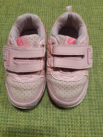 Взуття для дівчинки 24 розмір