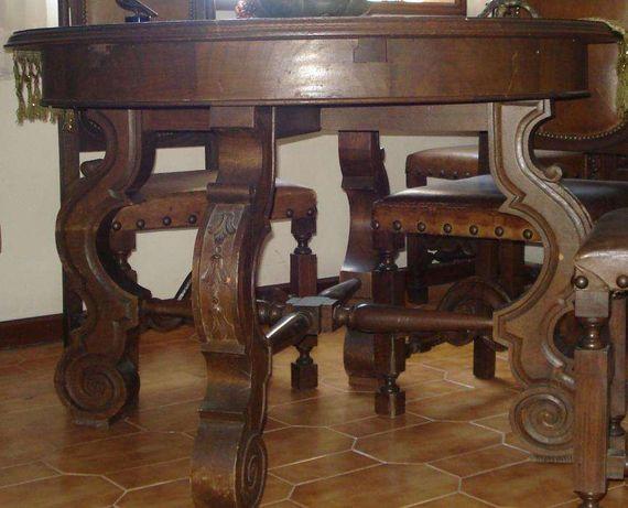 Mesa de sala de jantar e 8 cadeiras