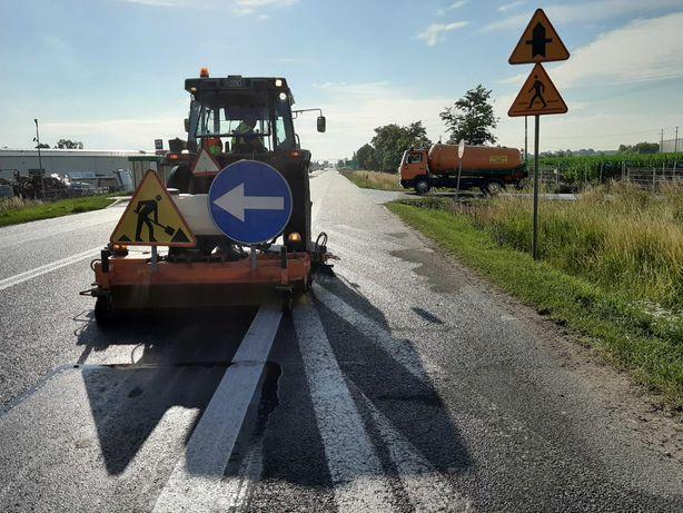 Zamiatarka szczotka podlewanie mechaniczne plac budowy drogi wywrotka
