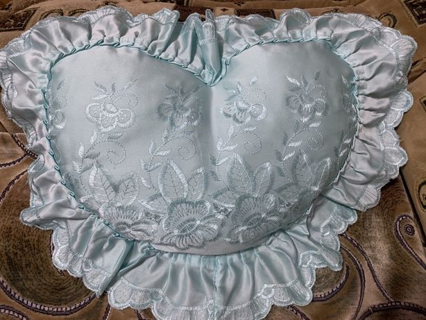 Декоративная подушка сердечко, сердце