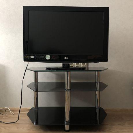 Телевизор LG 32LD420 с подставкой