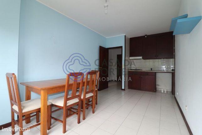 Apartamento T1 a 5 minutos dos Carvalhos