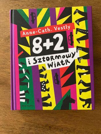 """Książka """"8+2 i sztormowy wiatr"""""""