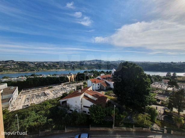 T3 Renovado com vistas para o Rio Douro