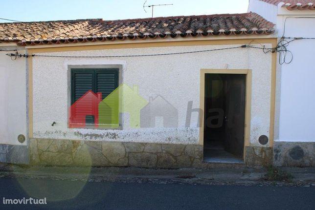 Casa térrea em aldeia
