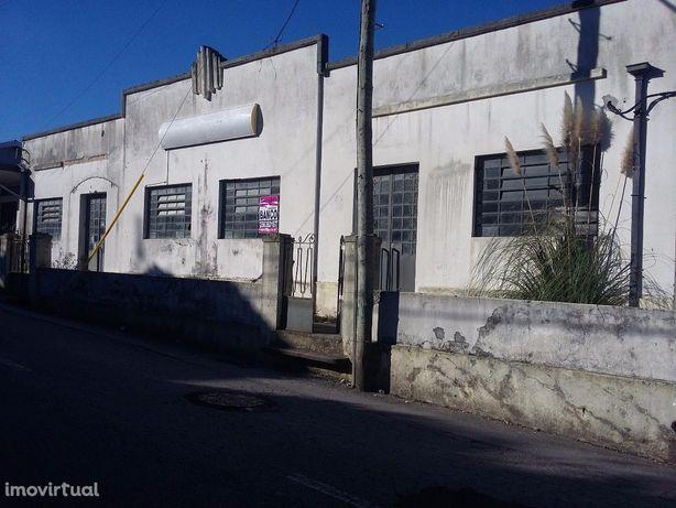 Armazém  Venda em Escapães,Santa Maria da Feira