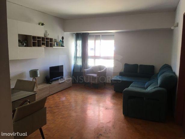 Apartamento T2 em Queluz - Oportunidade de Investimento!