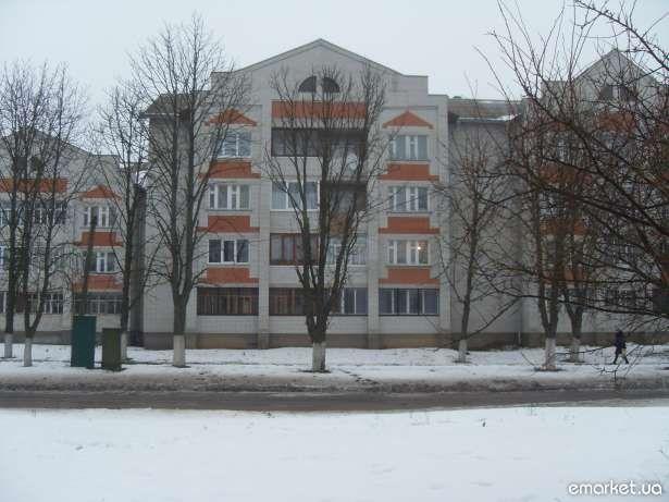 Продаётся 4-х комнатная квартира в Варве