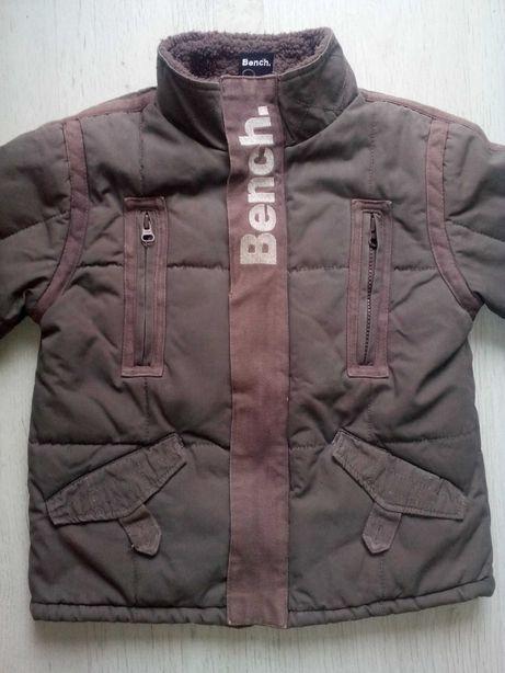 Деми куртка Bench на 4-5 лет.