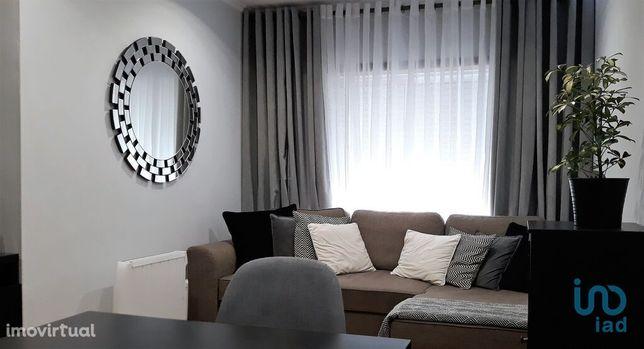 Apartamento - 105 m² - T2