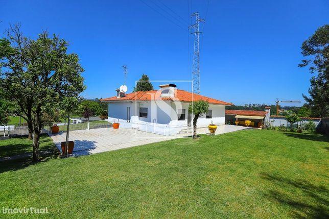 Moradia T3 Térrea na UCHA - Barcelos