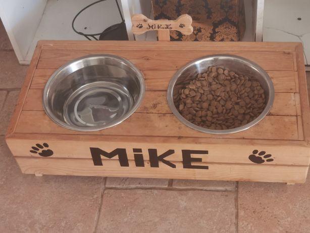 Vendo bebedouro e comedouros para cães e gatos