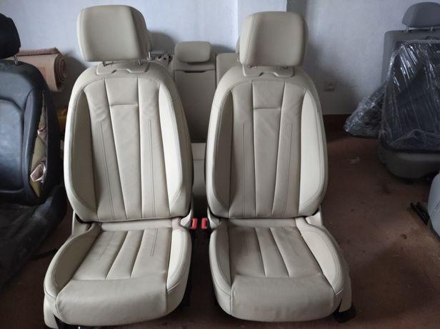 Продам салон до Audi A4 B9
