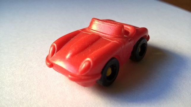 Carro Vermelho com banco amarelo (portes incluídos)