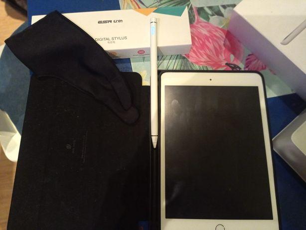 Apple iPad mini 3 wi-fi 128gb + akcesoria