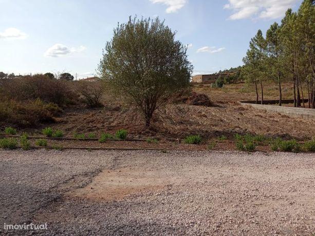 Lote de terreno entre a cidade de Tomar e o Castelo do Bode