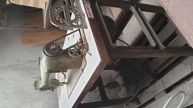 Maszyna do szycia tapicerek Łucznik