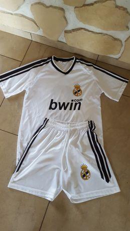 Komplet sportowy chłopięcy Real Madryt koszulka i spodenki