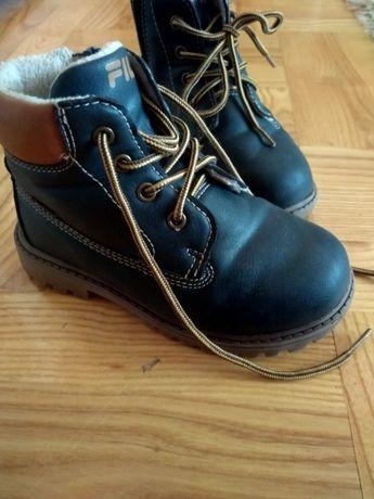 sprzedam buty dziecięce (2pary)