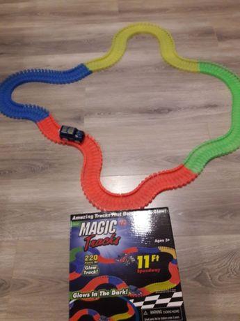 Гоночный Мэджик Трек Magic Tracks на 220 деталей детская трасса