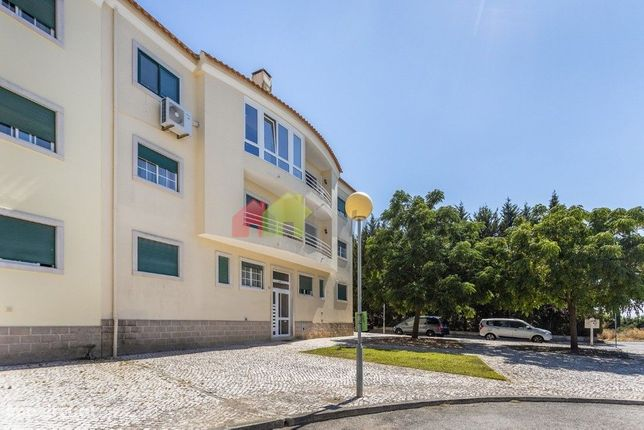Apartamento T3 +1 c/ sótão aproveitado – Urban. Serra Grande - Palmela