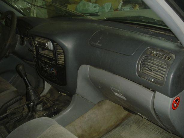 Toyota Land Cruiser 100 deska ,konsola ,poduszki