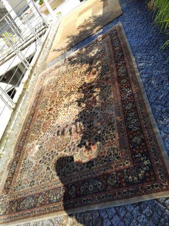 Carpete em bom estado como nova 2,98 mt x 2,00 mt