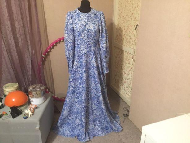 Шикарное оригинальное платье макси