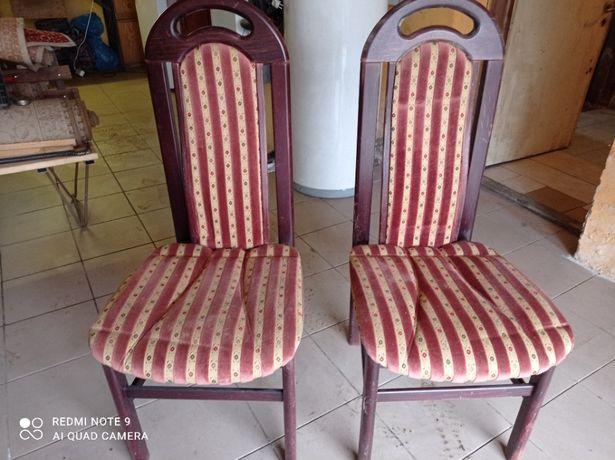 Krzesła tapicerowane z wysokimi oparciami - do renowacji