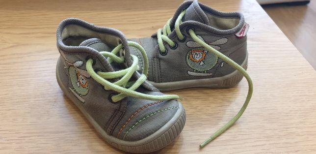 Взуття для хлопчика 19р