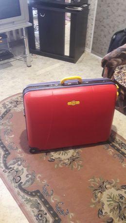 Продам чемодан польский