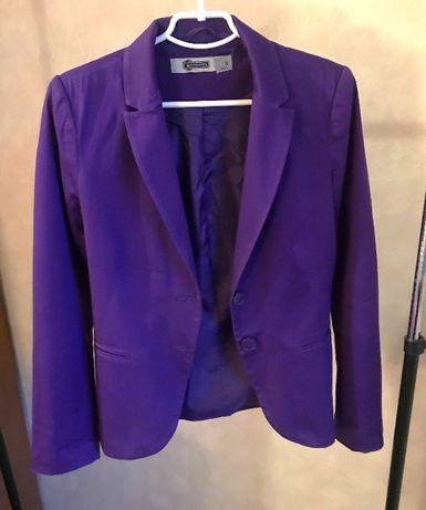 Продам фиолетовый пиджак,жакет Stradivarius