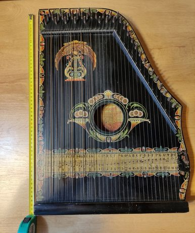 Cytra stary niemiecki instrument muzyczny