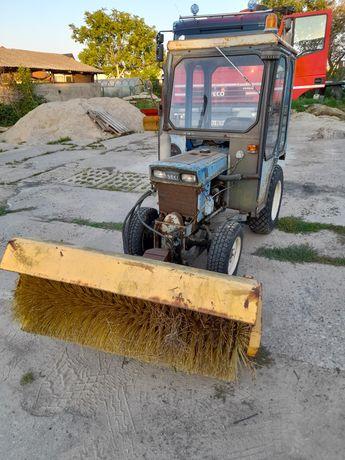 Mini traktorek Iseki Tx 1500 4x4, zamiatarka