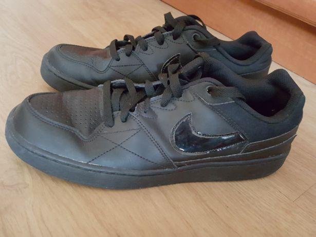 Nike Priority Low 42 42.5 43 27 cm buty sportowe czarne force